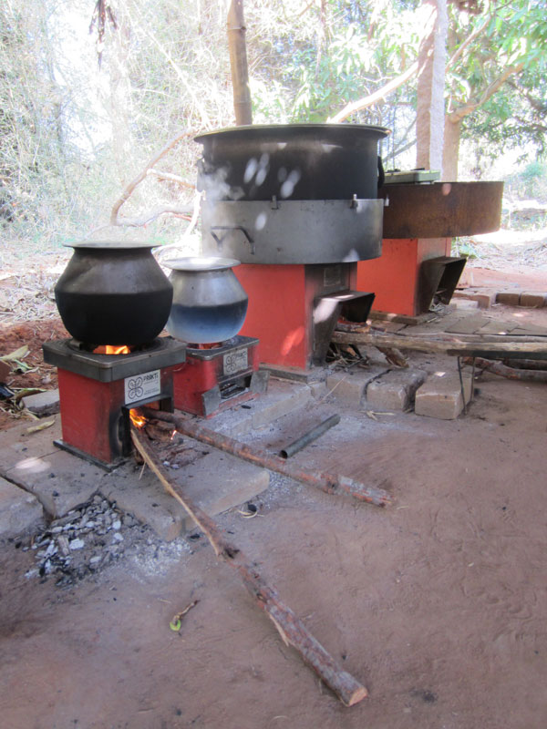 Prakti stoves in action